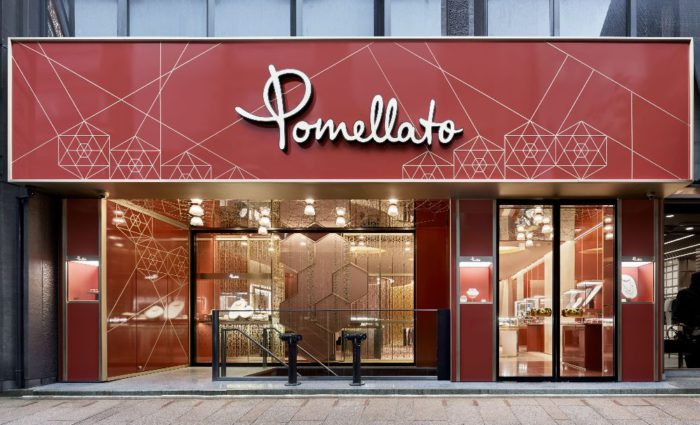 「Pomellato(ポメラート)」、東京・銀座の並木通りに旗艦店をオープン キアラ・フェラーニが来日