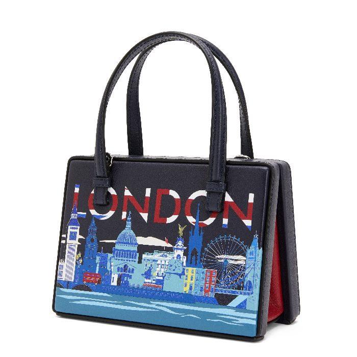 「LOEWE(ロエベ)」、新作「ポスタル」バッグを発売 ポストカードの形から着想