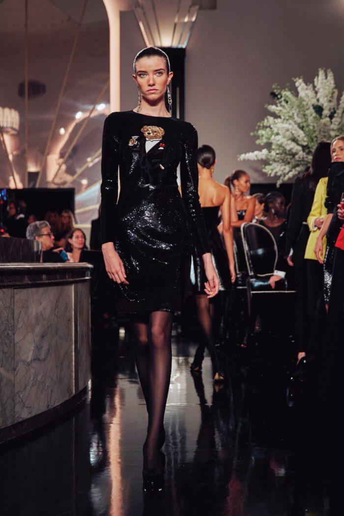 「Ralph Lauren(ラルフ ローレン)」、2019-20年秋冬ウィメンズコレクション ブラックタイの着こなしを提案