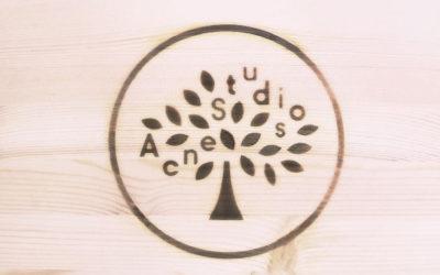 「Mulberry(マルベリー)」と「Acne Studios(アクネ ストゥディオズ)」がコラボ 限定コレクションを発売