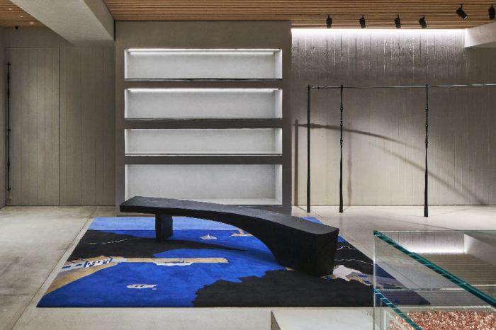 「LOEWE(ロエベ)」の新たな旗艦店「CASA LOEWE Tokyo(カサロエベ東京)」が銀座に登場