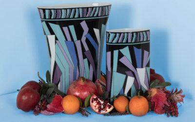 「EMILIO PUCCI(エミリオ・プッチ)」、花瓶のアーカイブをアップデートして発売 磁器メーカーのローゼンタール社と共同でデザイン