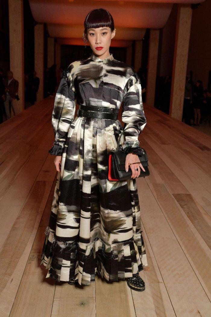 Alexander McQueen(アレキサンダー・マックイーン)」、新作バッグ「The Story」を発売 セレブも愛用