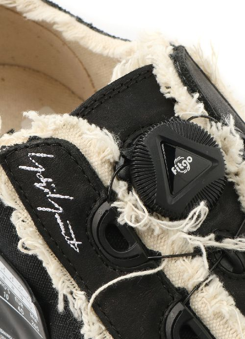 「Yohji Yamamoto(ヨウジヤマモト)」、俳優・歌手のヴァネス・ウーのアパレルブランド「xVESSEL」とのコラボスニーカー発売