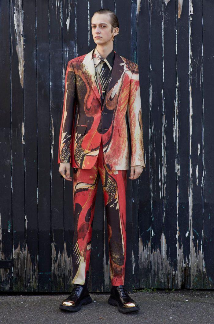 「ALEXANDER McQUEEN(アレキサンダー・マックイーン)」、2020年秋冬メンズコレクションを発表