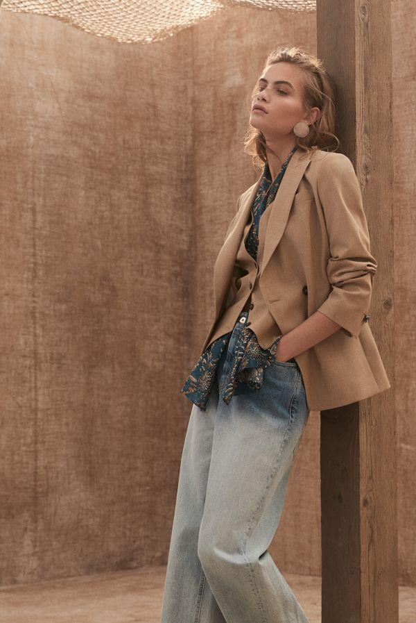 春ジャケット フェミニンスカートやジーンズも相棒に 「Brunello Cucinelli(ブルネロ クチネリ)」の新作を参考