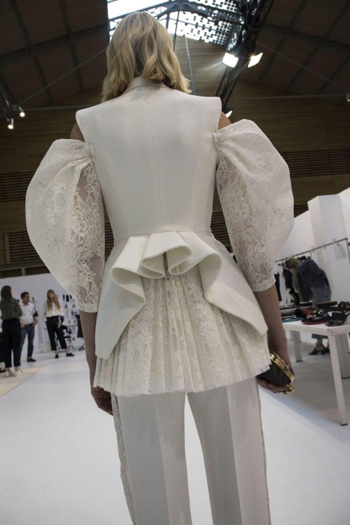 「Alexander McQueen(アレキサンダー・マックイーン)」、2020年春夏コレクションの新作バッグやジュエリーを発売