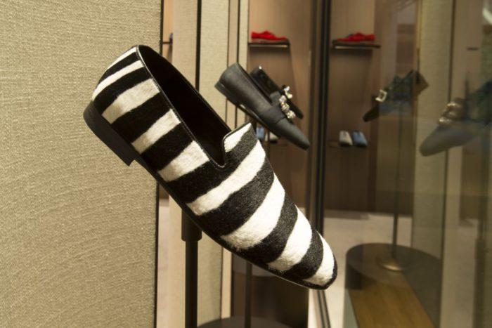 「Manolo Blahnik(マノロ ブラニク)」、東京ミッドタウンに直営店をオープン