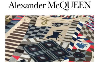 「Alexander McQueen(アレキサンダー・マックイーン)」2020-21年秋冬コレクション・ランウェイショー ライブストリーミング
