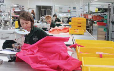 「Mulberry(マルベリー)」、医療用防護ガウンを生産 NHSワーカーをサポート