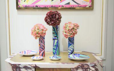 """「EMILIO PUCCI(エミリオ・プッチ)」、色やモチーフの豊かな""""おうちウエア""""や花瓶、プレートを発売"""
