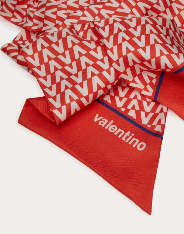 70年代プリントから着想 「VALENTINO(ヴァレンティノ)」、カプセルコレクション「VALENTINO ESCAPE」を発表