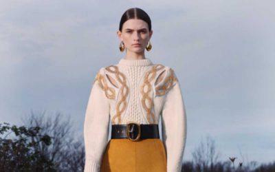 「Alexander McQueen(アレキサンダー・マックイーン)」、2020年秋冬プレコレクションを発表 相反する要素を表現