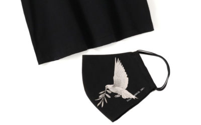 「YOHJI YAMAMOTO+NOIR(ヨウジヤマモト プリュス ノアール)」と画家「内田すずめ」がコラボ Tシャツとマスクを発売