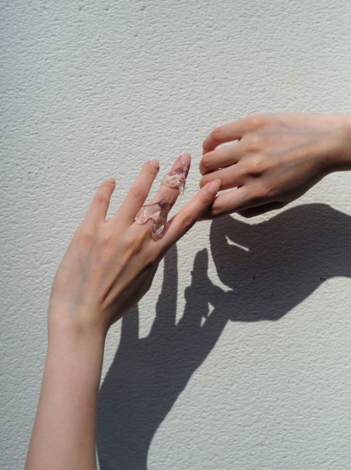 バングルとリングのガラスジュエリー 「Lautashi(ラウタシー)」が発売