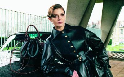 「LOEWE(ロエベ)」、キアラ・マストロヤンニを起用したコレクタブルブックをリリース バルーンバッグの新作も披露