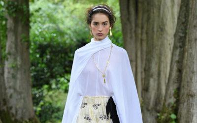 「ERDEM(アーデム)」、2021年春夏コレクションを発表 宮廷の貴婦人姿をエフォートレスに