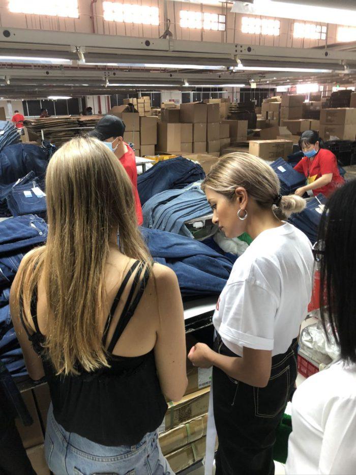 ROLAのライフスタイルブランド「STUDIO R330」からサステイナブルなデニムとホワイトシャツが登場