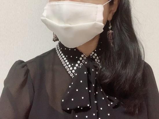 白マスクなのにリッチ感漂う優美な見栄え 「KI-NU-BA-RA」の高級シルクのマスク