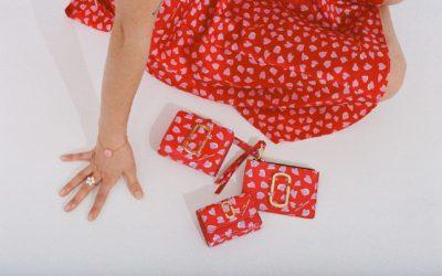 「MARC JACOBS(マーク ジェイコブス)」、バレンタインシーズンにハートプリントの小物類を発売