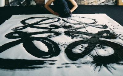 「LOEWE(ロエベ)」、国際的アーティスト2人と丑年を祝う 松屋銀座でのポップアップイベントで展示