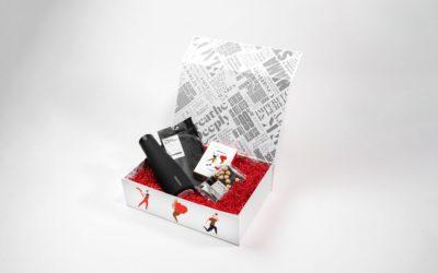 アンダーウェアやスカーフ、チョコを詰め合わせたヘルシーギフト 「lululemon(ルルレモン)」、バレンタインボックスを発売