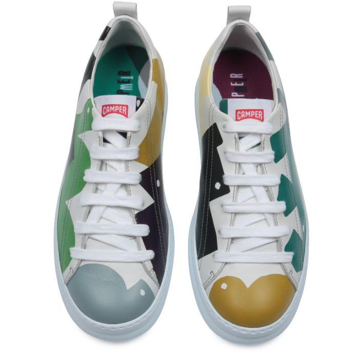 うっかりミスの代表「左右の靴バラバラ」今やおしゃれテク、じわり人気に CAMPERに注目