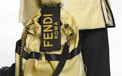太陽光で色が変わる 「FENDI(フェンディ)」、「ANREALAGE(アンリアレイジ)」とのコラボコレクションを発売