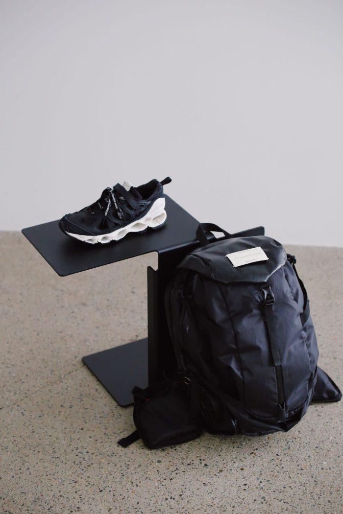 靴下でスニーカーを「着せ替え」、バックパックから涼風 「beautiful people(ビューティフルピープル)」と「Mizuno(ミズノ)」がコラボ