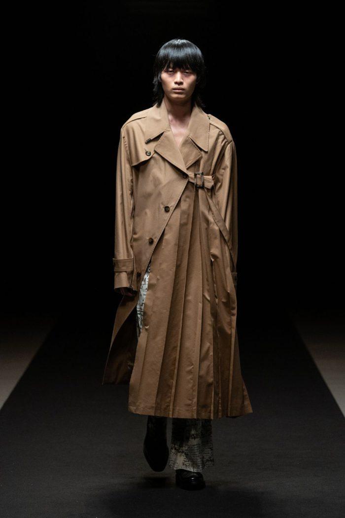 「MIKAGE SHIN(ミカゲシン)」、2021-22年秋冬コレクションを発表