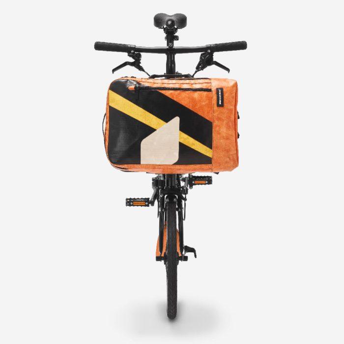 折り畳み自転車に取り付けOK 「FREITAG(フライターグ)」、通勤向きのバックパックを発売