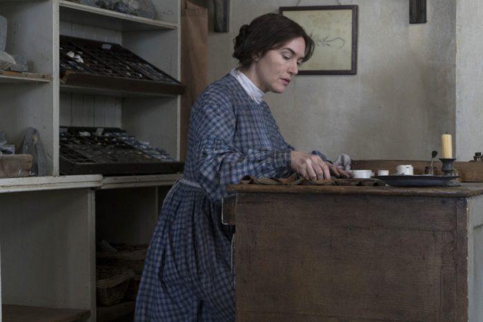 ケイト・ウィンスレットとシアーシャ・ローナンが初共演 映画『アンモナイトの目覚め』が公開