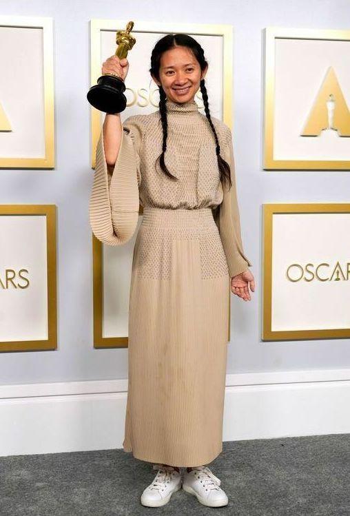 第93回アカデミー賞ファッションを総解説 「レトロ×未来的」の華やかな装いに注目!