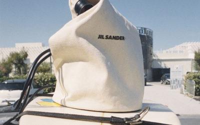 「JIL SANDER+(ジル サンダー+)」、2021年春夏キャンペーンイメージを発表 海辺で過ごす時間