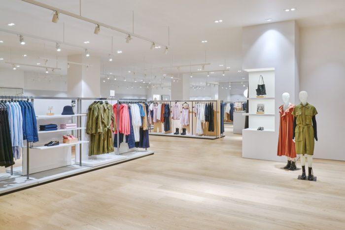 サステナビリティに配慮した新店舗 「COS(コス)」、ダイバーシティ東京 プラザにショップをオープン