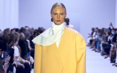 「JIL SANDER(ジル サンダー)」、2022年春夏コレクションを発表 繊細で力強い折衷主義の装い