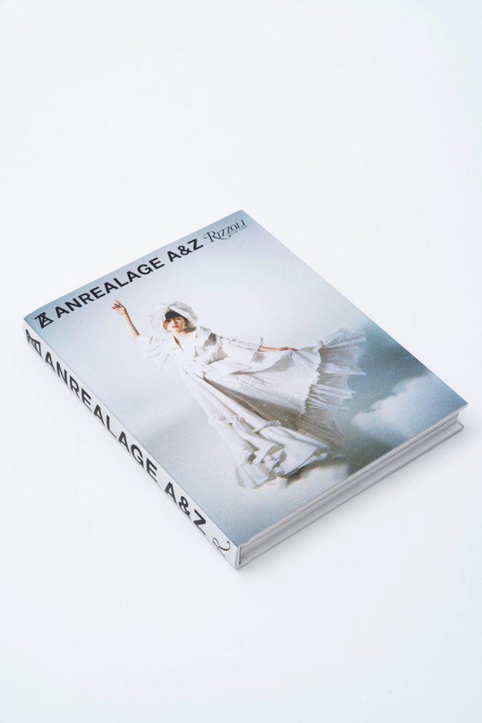 18年間をアートブックに凝縮 『ANREALAGE: A&Z』、米出版社のRizzoli New Yorkから出版