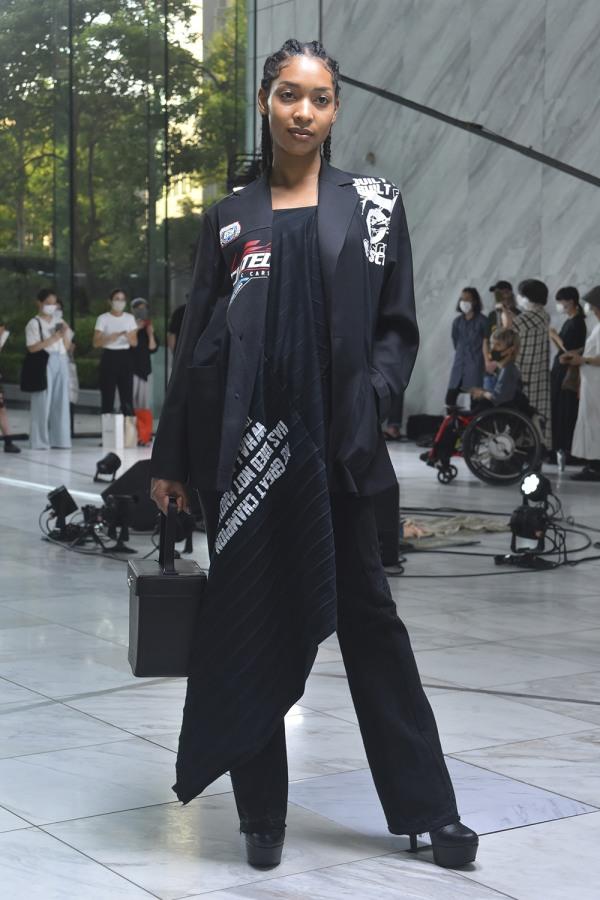 2022年春夏東京コレクション ユーモアやアートで普段の装いに非日常感